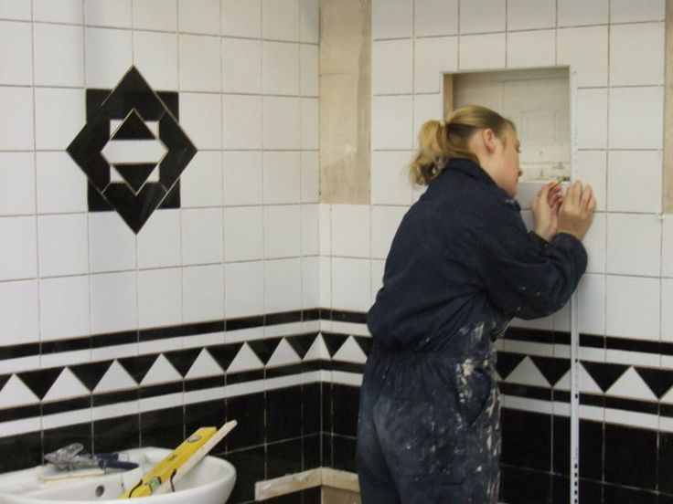 Tiling courses | Plastering Courses From UK Trades Training