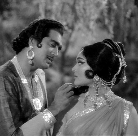 """Sunil Dutt and Vyjayanthimala in """"Amrapali""""."""