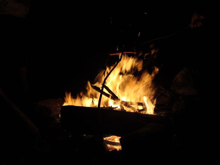 Que passa si ens cremem? una cremada és una lesió produïda per calor en moltes formes diferents (líquids calents, flames, fred, substàncies químiques, electricitat, energia radiant o refregament). …