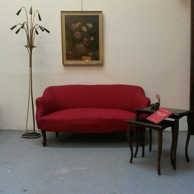 [300€] Divano due posti in tessuto bordeaux. Ben tenuto. #magazzino76 #viapadova76 #milano #vintage #modernariato #antiquariato #design #industrialdesign #furniture #mobili #modernfurniture #sofa #poltrone #divani #arredo #arredodesign #rosso