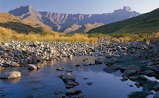 amphitheatre, royal natal national park, drakensberg, kwazulu-natal, south africa