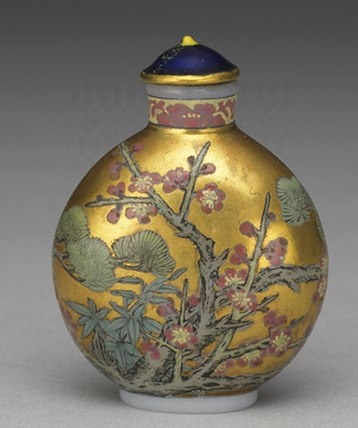"""Glass-body painted enamel snuff bottle with the """"Three Friends of Winter"""" on a…"""