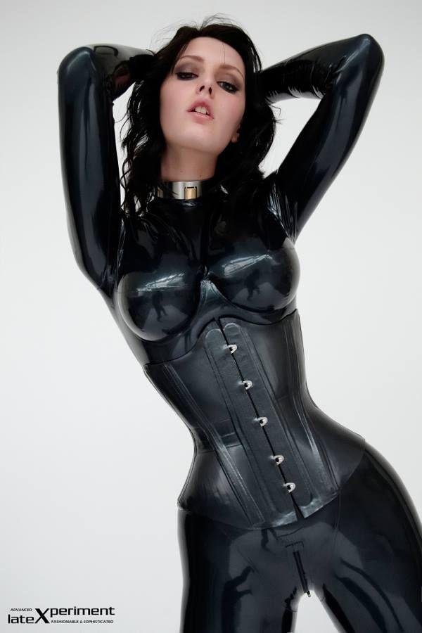 Patricia heaton boob size