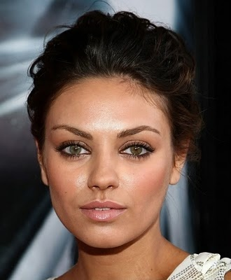 Great glowy makeup with emphasis on eyes: Face, Make Up, Mila Kunis, Makeup, Beautiful, Beauty, Hair, People, Eyes