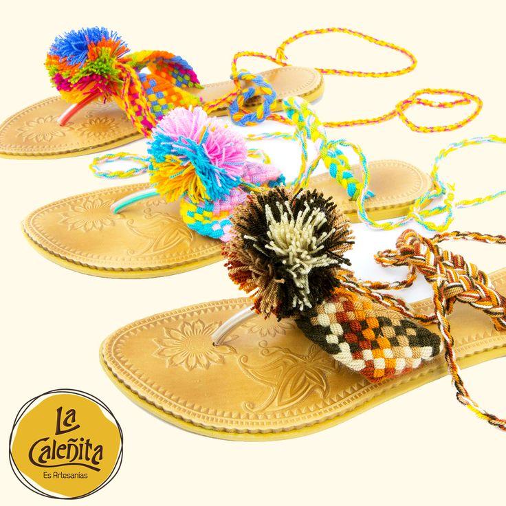 Las alpargatas… Estos zapatos livianos de tela, cómodos, coloridos, sencillos o con diseños, además de tener una textura única, puedes encontrarlos en nuestra tienda.🙆🏻👡💖 #ArtesaniasColombianasHechasAMano #ArtesaniasTipicasDeColombia #ArtesaniasDeColombia