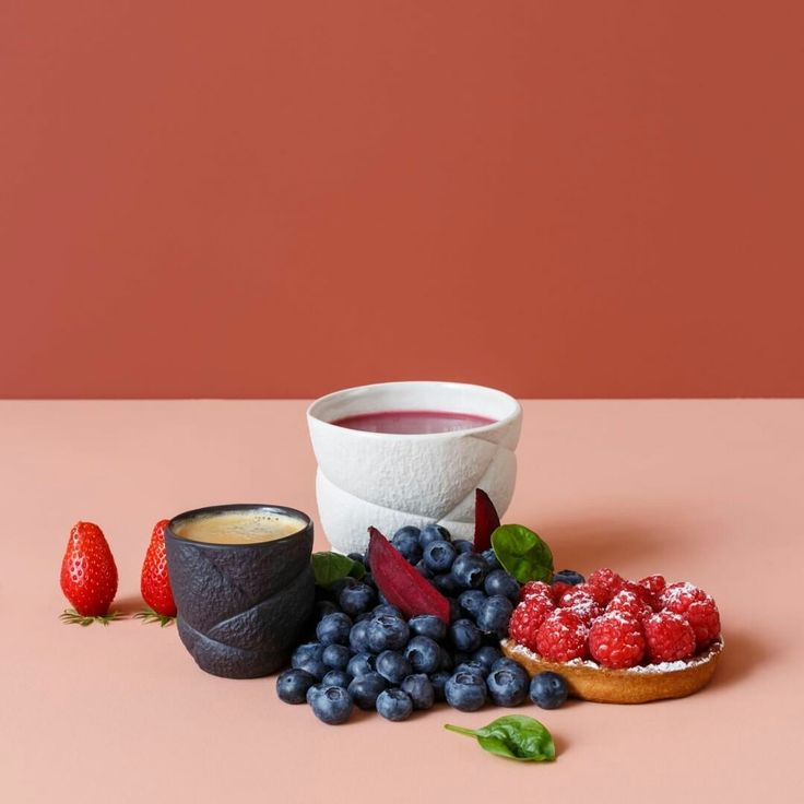 Best 25 la petite friture ideas only on pinterest petite friture vertigo - Petite table blanche ...