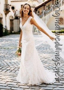 gown for petite bride (found this on http://originalweddings.net )