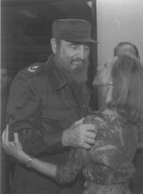 Rosa Diez Fidel musukatzen