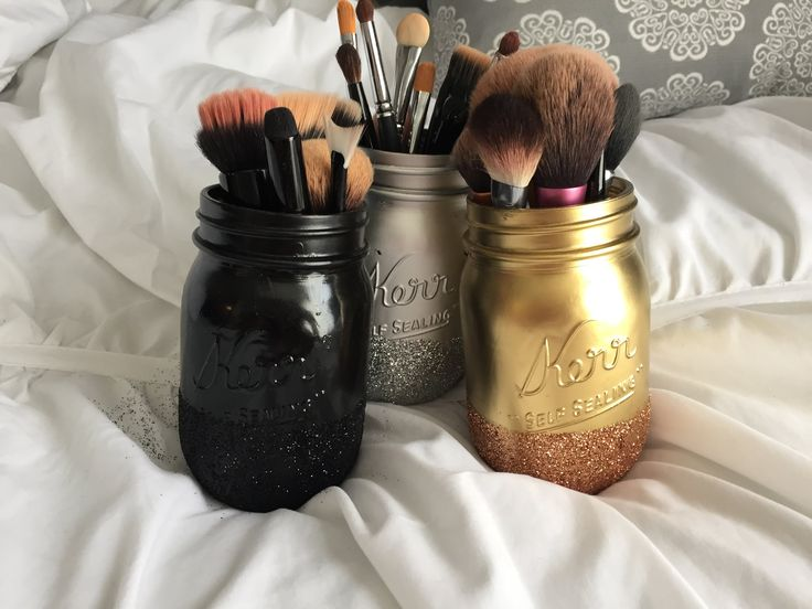 Easy DIY glitter mason jars. I got all my supplies at Michael's. What you will need: Mason Jars Glitter (fine glitter) Spray paint (i got mini ones) Mod Podg...