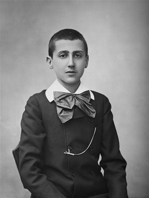 Marcel Proust on 24 March 1887; by Nadar Paul-- Réunion des Musées Nationaux-Grand Palais -