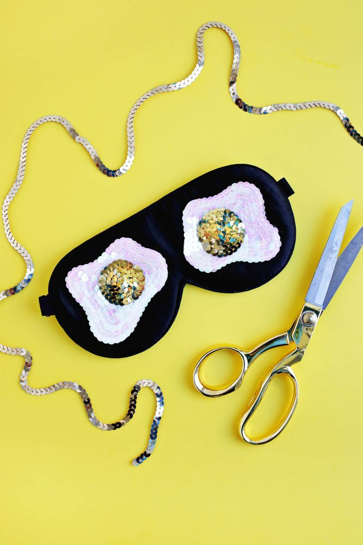 Sequin Fried Egg Sleep Mask DIY