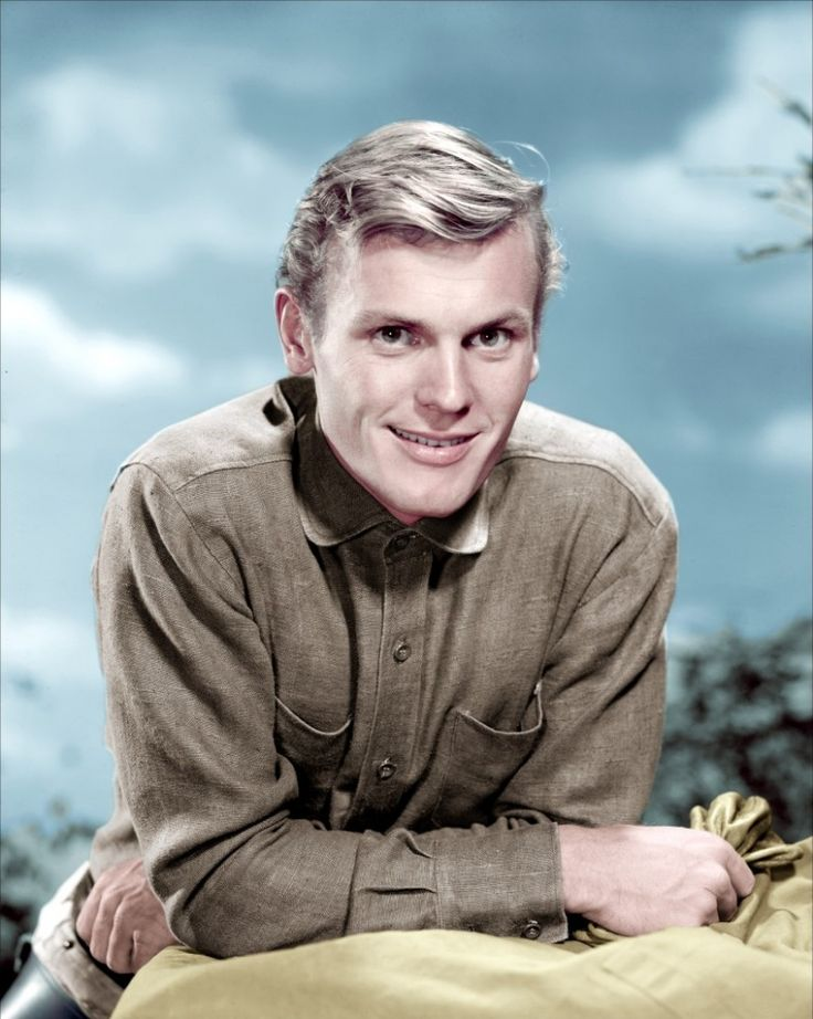 Tab Hunter was ne of the best looking Men Ever!