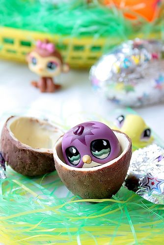 Make your own Kinder eggs! I really want to try this for Easter!!!