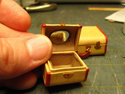 1 INCH SCALE LUGGAGE - How to make 1 inch scale suitcase for your dollhouse.