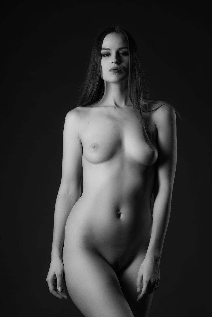 fit nude art pose