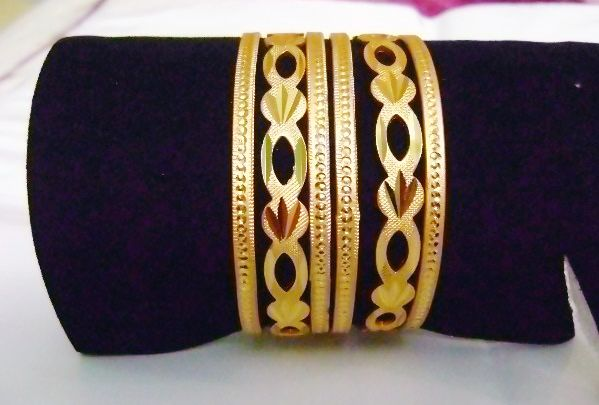 Buy Golden Bangle Set at Rs. 160.00 only.. visit here- http://shwetajewelry.com/product/golden-bangle-set/