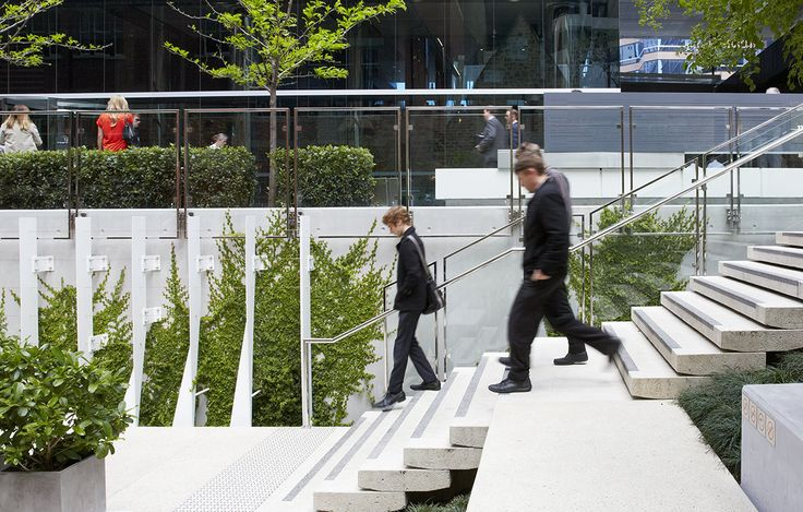 HASSELL has been actively involved in designing a public realm that is an inviting and memorable part of the city fabric. Celebrating the modern and historical nature of the site, the public realm