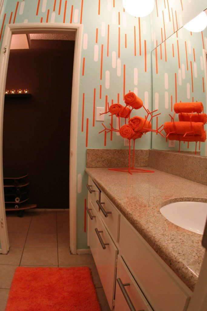 Wonderful Like The Idea Of Orange Towels As Highlights For A White And Light Turquoise  Bathroom
