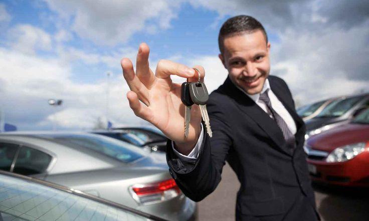 El microcomparador de crédito automotriz, te permite conocer si hay créditos más baratos que él que has elegido o te ofrecieron y te presenta una tabla de amortización.