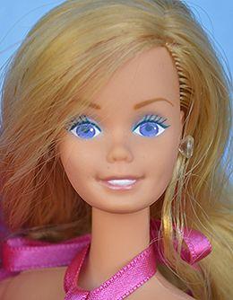 Dating vintage dolls