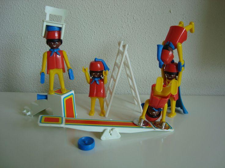 Acrobats 70's