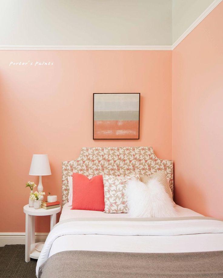 포터스 로신아크릭 페인트 인테리어 벽면에 많이 쓰이는 페인트입니다. 광도는 은은한 저광(광도10%) 페인트로 먼지나 얼룩 등을 물걸레 청소가 가능하며 휘발성유기화합물(VOC)가 0%에 가깝습니다.(color: SWEET PEA) #인테리어페인트 #벽면페인트 #친환경페인트