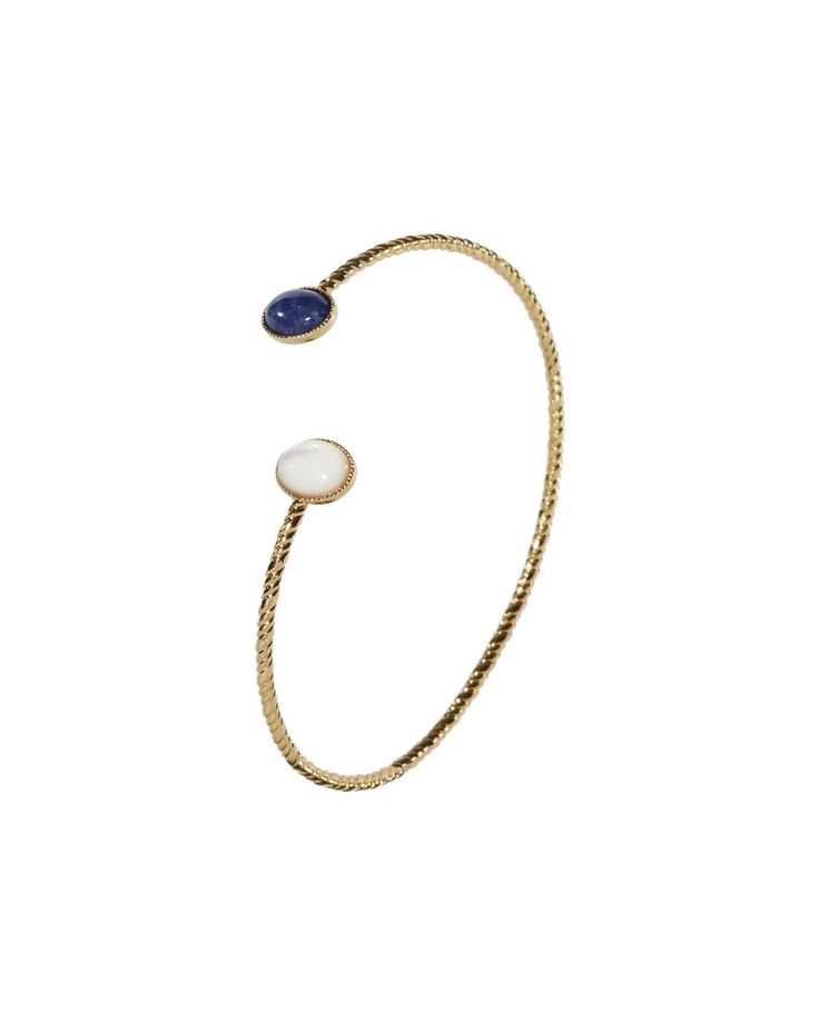 Bracelet Plaqué à l'Or Fin 24k Sertie de pierres semi-précieuse.Disponible en plusieurs couleurs : - Sodalite (bleu foncé) - Malachite (vert) - Amazonite (Vert flachy) - Quartz Rose - Nacre (blanc) - Nacre grise Les pierres sont naturelles, leur teinte et veinage peut varier, leur conférant un carac