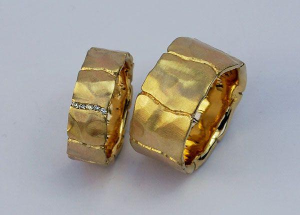 Deborah Kelly Hopkins   Rings in gold set with diamonds