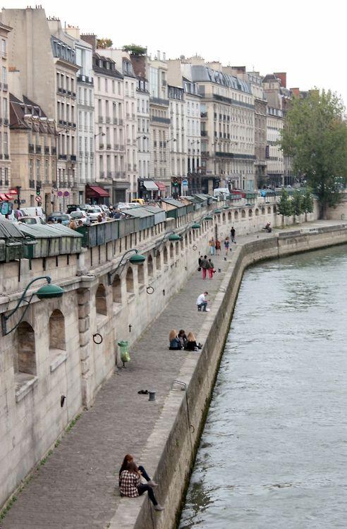 Quais de la Seine, Paris...Inspiration for your Paris vacation from Paris Deluxe Rentals