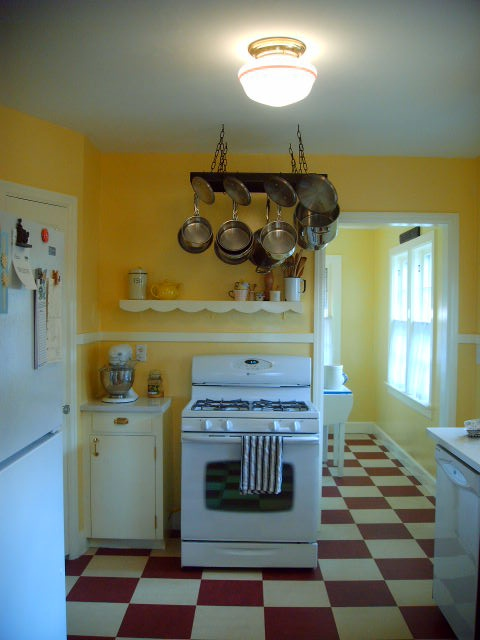 red and yellow kitchen ideas