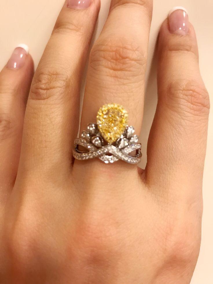 Chaumet vivid yellow diamond ring ! Stunning!!