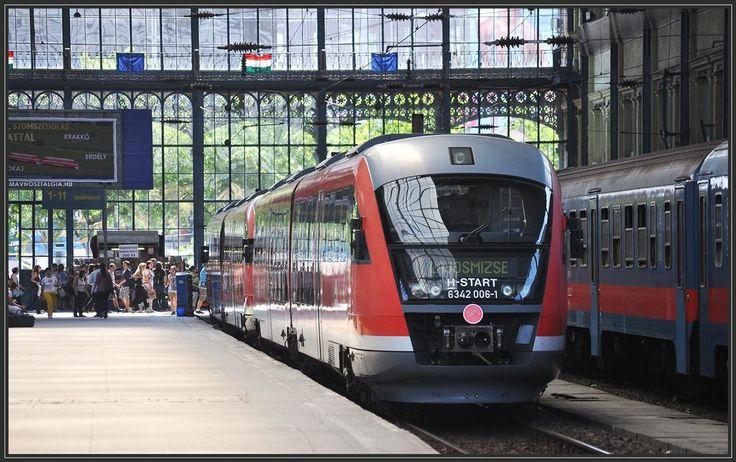 #Desiro by #Siemens at Budapest-Nyugati (West) Railway Station to Lajosmizse. Photo: Herbert Graf