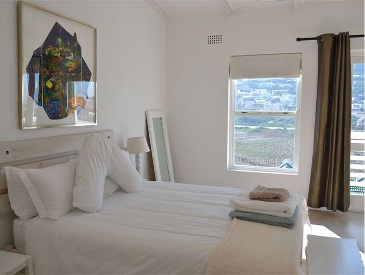 Self catering accommodation, Glencairn, Cape Town   Double bedroom views  http://www.capepointroute.co.za/moreinfoAccommodation.php?aID=391
