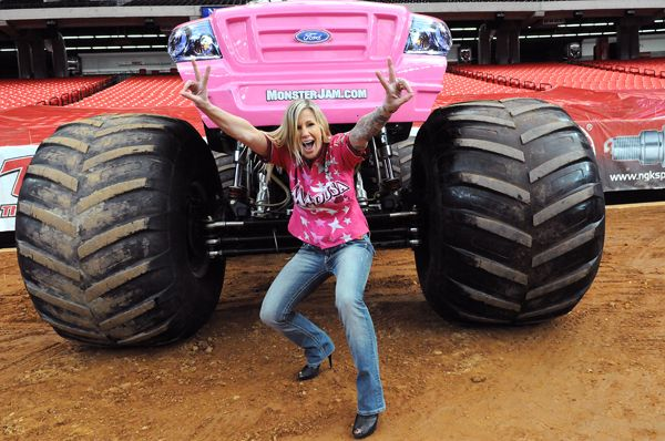 CELEBRITY WOMAN 2016  MADUSA MICELI  Madusa Monster Truck