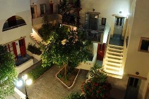 Nissia Kamares are just a 3 minutes' walk from the golden beaches and the resort centre of Kardamena. Free Wi-Fi is available throughout the entire complex. http://www.stayinkos.com/hotels/hotelpage.php?ln=en=26