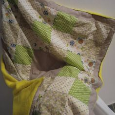 Couverture patchwork jaune et vert avec le dos en minkee