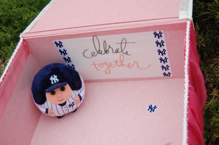 Wedding couple were having a Colorado mountain wedding with natural elements.    They are both avid Yankee fans, so I paid homage to their pinstripe devotion inside their keepsake box.