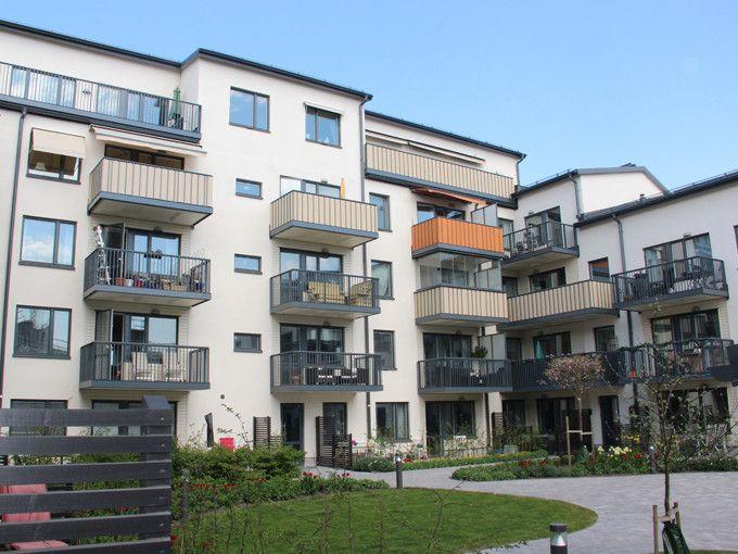 Kvarteret Briggen i Åkersberga har en snygg och slitstark Serporoc-fasad från Weber.