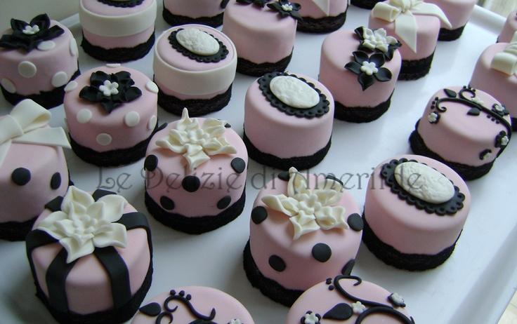 Le Delizie di Amerilde. Couture Mini Cakes.  Flowers & Cameos. www.ledeliziediamerilde.it