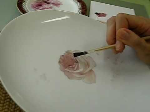 Painting Roses チャイナペインティングで描くアメリカンのバラの描き方 - YouTube