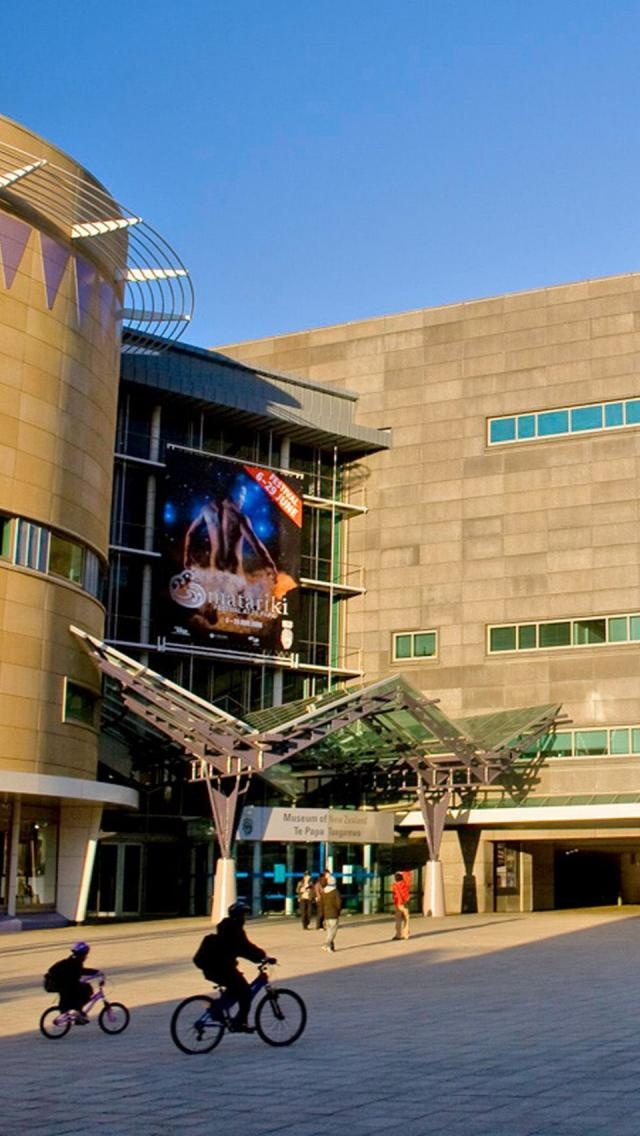 Museum Of New Zealand Te Papa Tongarewa, Wellington, North Island, New Zealand, This is significant is it is New Zealands most well known museum that attracts tourists.