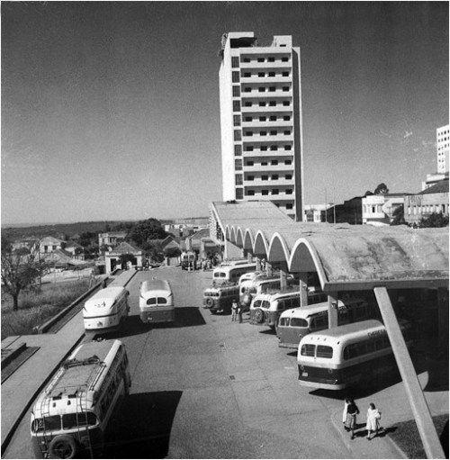 Londrina - EstaçãoRodoviária 1 - projeto arquiteto Vilanova Artigas, década de 1950jpg