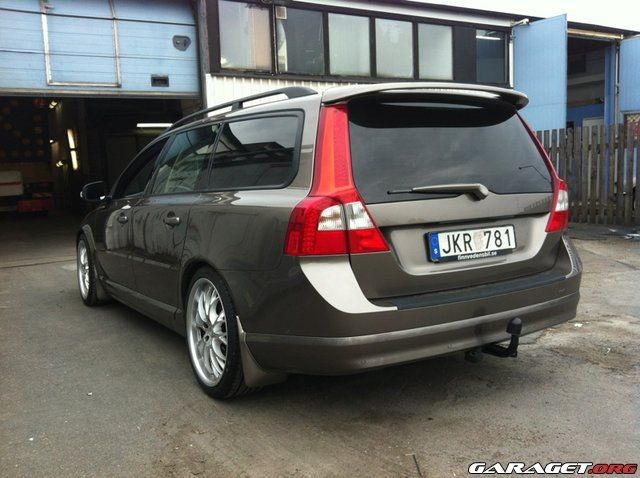garage | Volvo V70 II 2.4D (2008)
