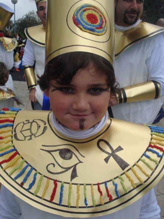 disfraz de egipcia casero - http://www.multipapel.com/producto-Bolsas-de-basura-de-colores-para-disfraces.htm