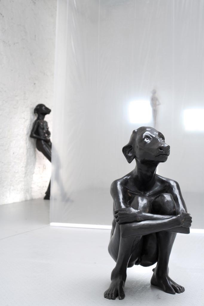 http://www.boumbang.com/prune-nourry/ Squatting Holy Daughter, 2010, bronze, yeux en verre, 120 x 70 cm, édition de 5 © Hans Fonk