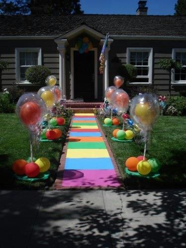 Kaila's Place | Grand Entrance I would do purple and pink but I love the double balloons