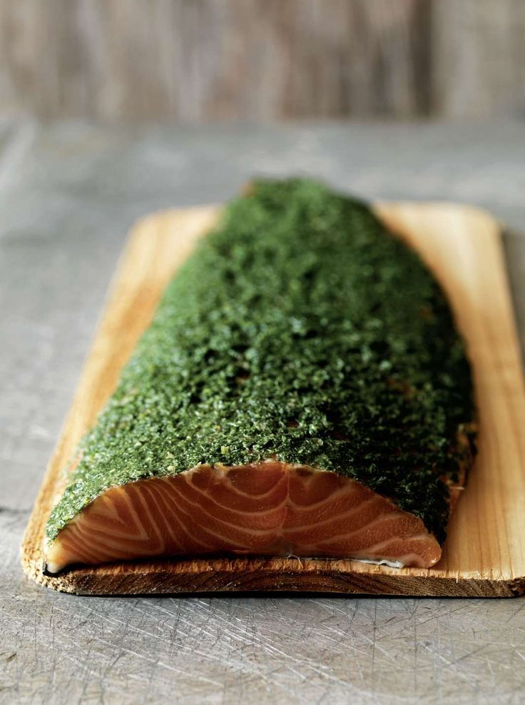 Baked salmon with honey, mustard and dill
