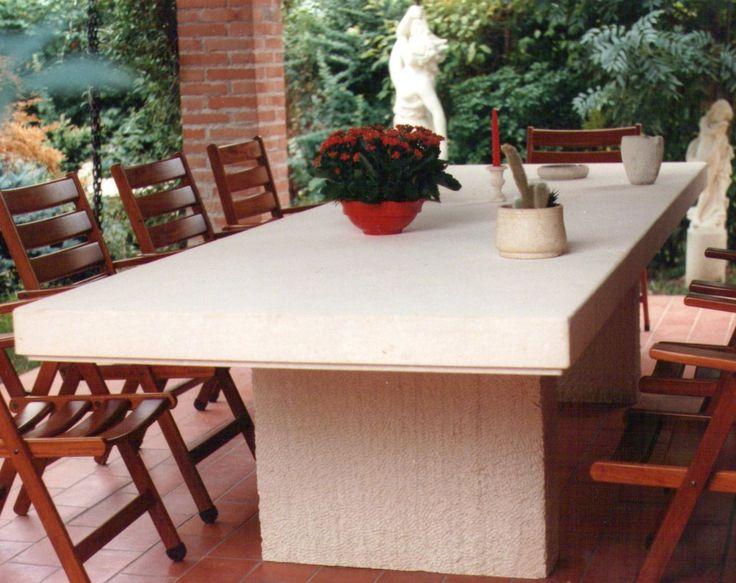 table in italian Vicenza limestone - design by Garden Ornaments Stone srl - www.gardenorn.com