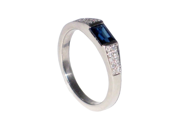 Sapphire and diamond pave anniversary ring