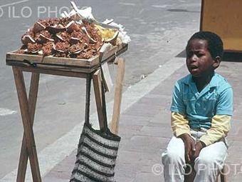 Casi la mitad de niños trabajadores de Colombia lo hacen en hogar y sin pago…